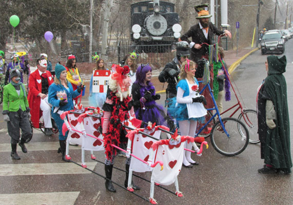 Alice in Wonderland at Manitou Springs Canrivale